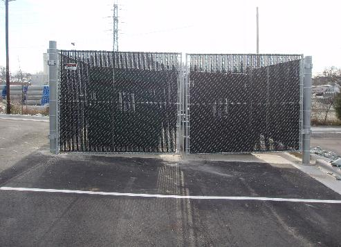 Commercial-Chain-Link-Fences-1.jpg